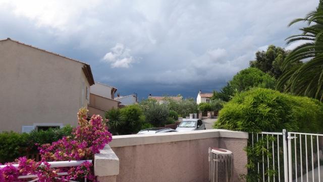 Oväder uppe på bergen bakom Cagnes-sur-Mer.