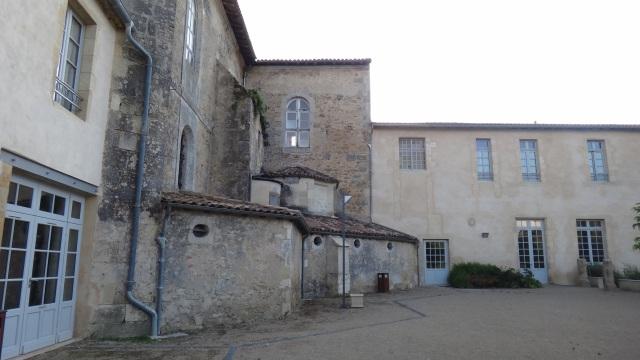 Klostret på baksidan.