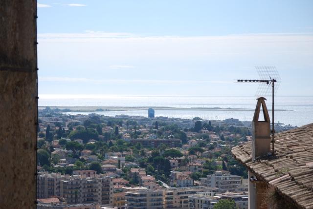 Utsikt över Cagnes-Sur-Mer från Haut-de-Cagnes.